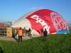 Es comença a inflar el globus