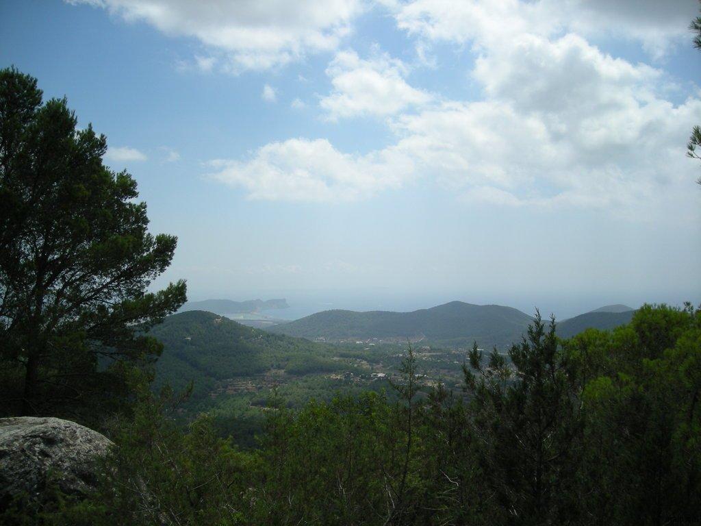 Vista des de dalt la capella d\'en Serra